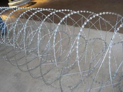 Double Concertina Razor Wire with Various Blade Types
