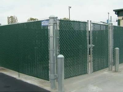 PVC Coated Chain Link Fence Weaving, Features and Application