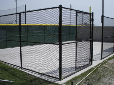 A black chain link fence is used for resting land fence.