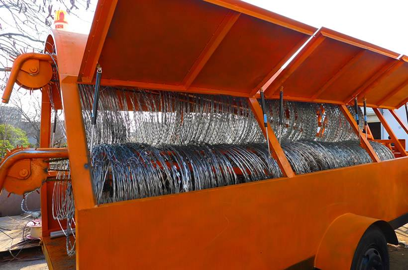 Razor Wire Trailer For Concertina Wire Fence Deployment