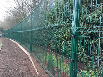 Welded 3D Security Fence for Factory, Garden, Farm Fencing