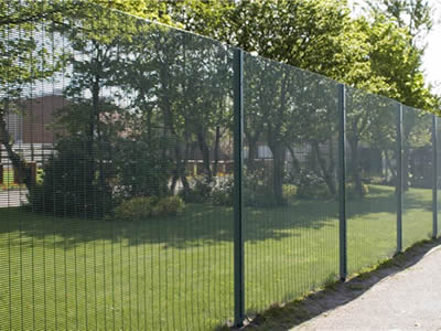 Welded Wire Security Fence for School, Prison, and Airport Fencing